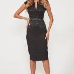 Черное платье-футляр из жаккарда с вырезом на груди vv51664bk-2