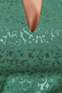 Заказать Светло-зеленое платье-футляр из жаккарда с вырезом на груди
