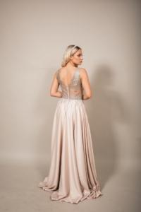 Бежевое вечернее платье платье из атласа с серебристым верхом на выпускной купить