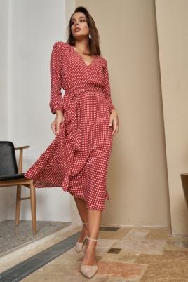 Красное платье в горошек из вискозы длины миди с глубоким вырезом заказать с примеркой
