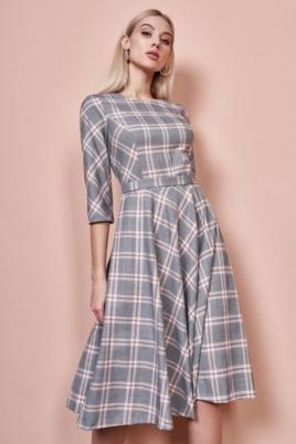 Заказать в интернет-магазине Серое платье миди с принтом в клетку и расклешенной юбкой