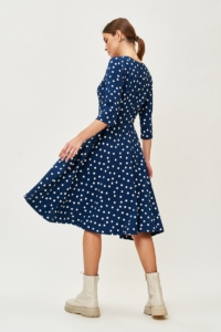 Заказать Синее платье миди в белый горошек с поясом и рукавами 3/4 в интернете с доставкой