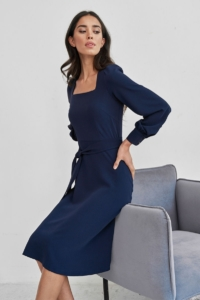 Темно-синее платье с длинными рукавами и расклешенной юбкой купить в интернет-магазине