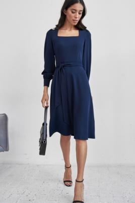 Темно-синее платье с длинными рукавами и расклешенной юбкой заказать с примеркой