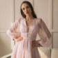 Заказать Пудровое платье миди с пышной юбкой и длинными рукавами с доставкой