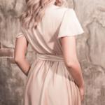 Бежевое платье в греческом стиле из шелка длины миди 6